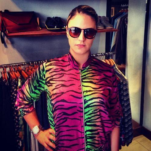 Cliente feliz con chaqueta y gafas de nuestra tienda. Be like Pardo! (at Pardo)