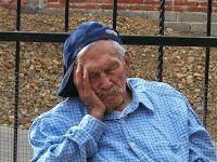 Elderly sleep problems (Source: PixaBay.com)