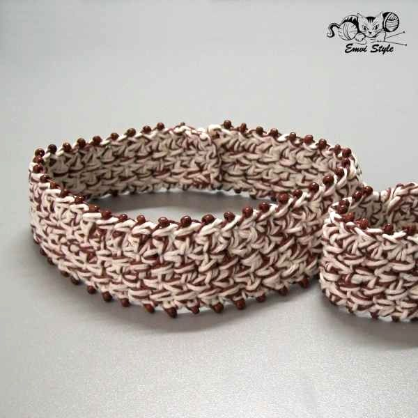 Neck collar with beads