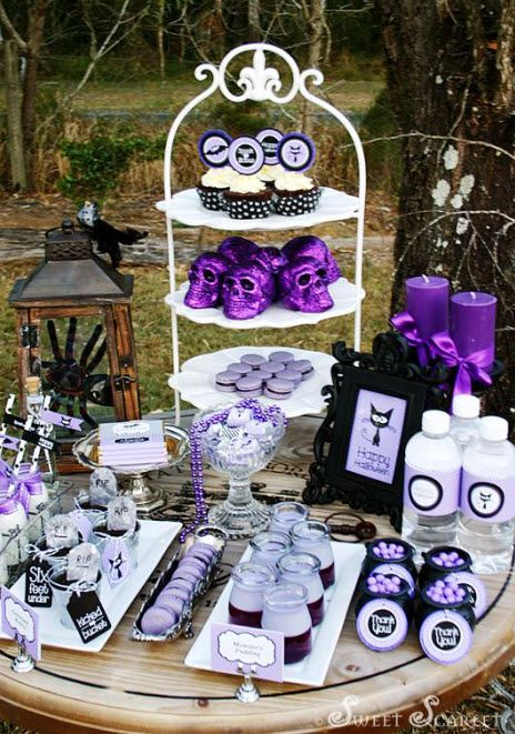 a spookalicious halloween dessert table