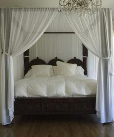 Canopy beds look very romantic ~ Bed with canopy/mosquito net. Love the calming colours & Best 25+ Mosquito net canopy ideas on Pinterest | Mosquito net bed ...
