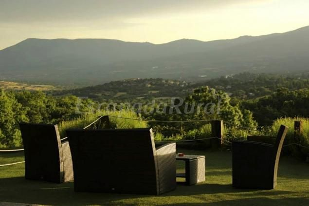 Fotos de Hotel Rural Casona de Navalmedio - Casa rural en Cercedilla (Madrid) http://www.escapadarural.com/casa-rural/madrid/casona-de-navalmedio/fotos#p=554759bc23372