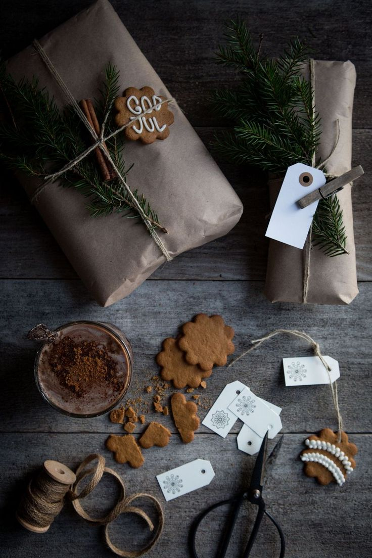 A Christmas Craft: Gingerbread, Winter Apples, and Spicy Hot Chocolate