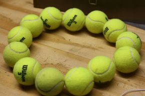 How to - tennis ball wreath