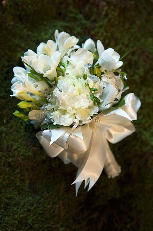 A white bouquet becomes textured and exciting with a combination of peonies and lisianthus sprinkled with shimmering crystals.: Burlap Flower, Wedding Bouquets, Shimmer Crystals, Country Wedding, All Whit Bouquets, Wedding Photos, White On Whit Bouquets, White Bouquets, Bride Groom