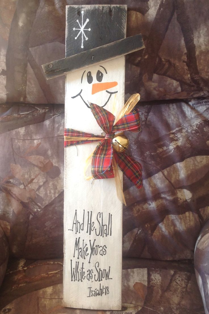 Pallet board snowman with scripture