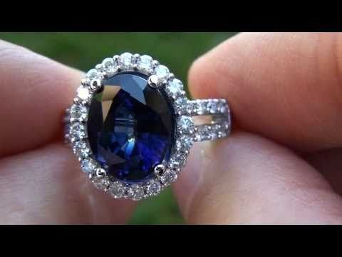 Rare one of a kind Kate Middleton engagement ring.