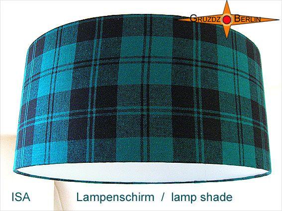Lampenschirm ISA Ø 45 cm Seide Bourette, karriert. n Petrol-Grün / Schwarz und kariert präsentiert sich dieser Lampenschirm als erhabener Blickpunkt im Raum: Der Lampenschirm ISA ist aus einer Bouretteseide mit klassischem Karo in Petrol-Grün-Schwarz.