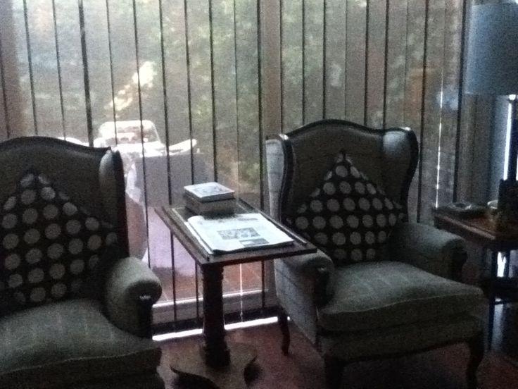 Es mi rinc n favorito para leer los sillones y el atril - Sillones para leer ...
