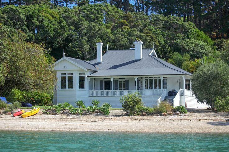 136 cowes bay road waiheke island auckland auckland for Beach house builders new zealand