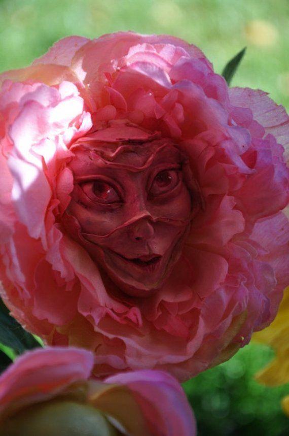 Alice In Wonderland Talking Flowers Series 1 Smiling Pink By
