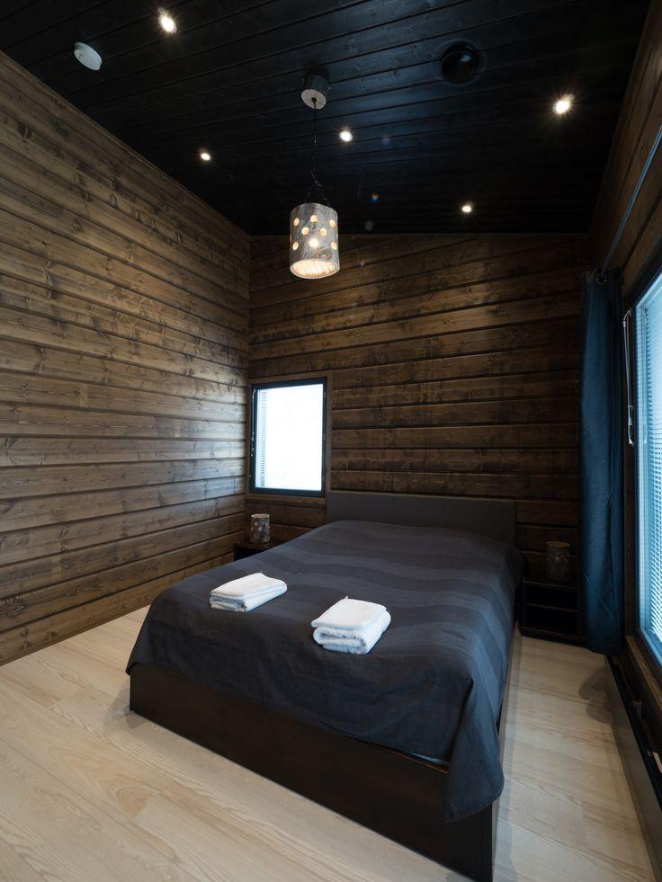 Would you enjoy sleeping under our Iiris LED-lights, as they shine like midnight stars in this log cabin? Haluaisitko nukkua yön tähtien lailla loistavien Iiris LED-valaisimien alla tässä mökissä?