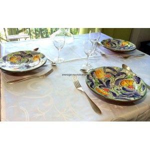 Honorez vos invités en leur servant un bon repas dans des assiettes en céramiques uniques, de fabrication artisanale et peintes à la main. http://www.amenager-ma-maison.com/assiette-ceramique-CT-1812