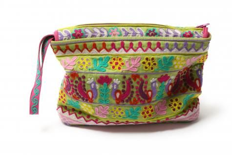 Purse with woolembroidery front and back.  Size approx. 24x16 cm.      price:200
