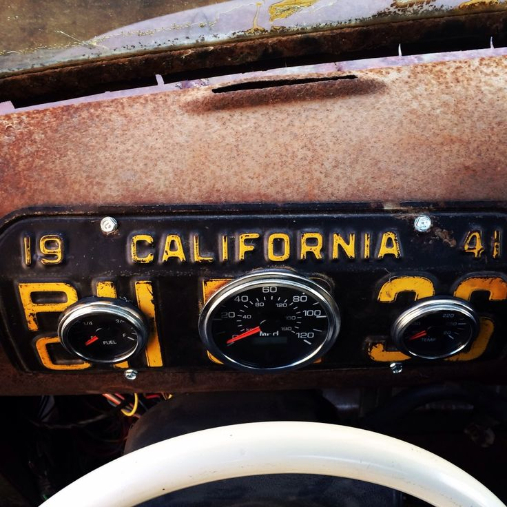 vintage license plate dash plate gauge cluster custom gauges ratrod rat rod dash dashboard
