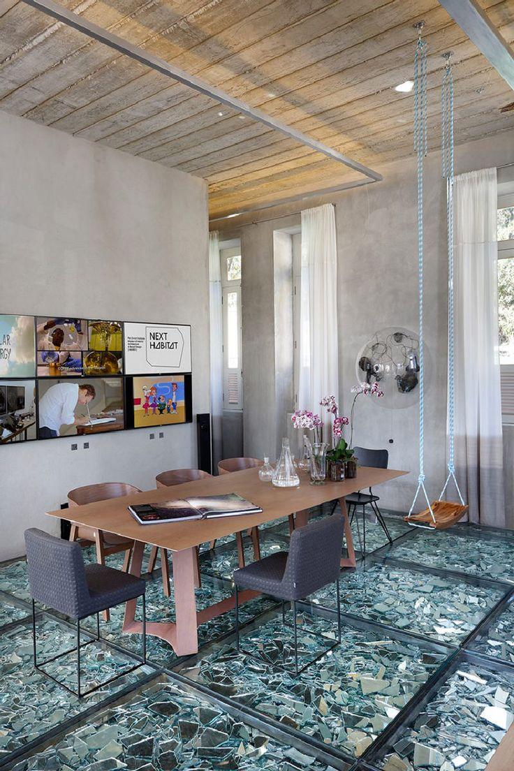 O que você acha deste chão de vidro com cacos de espelho? - limaonagua