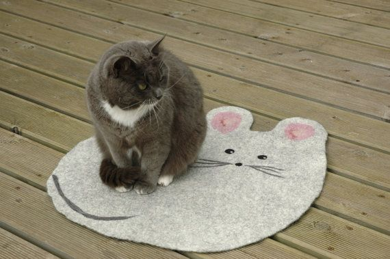 Felted Cat mat with mouse / Cat bed/ Sleeping place/ by Wool4Art, €28.00