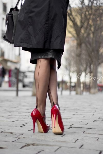 Secrets In Lace French Heel Full Fashioned Stockings