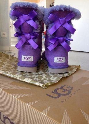 À vendre sur #vintedfrance ! http://www.vinted.fr/chaussures-femmes/bottes-and-bottines/22229570-rare-bottes-ugg-australia-bailey-bow-violettes-39