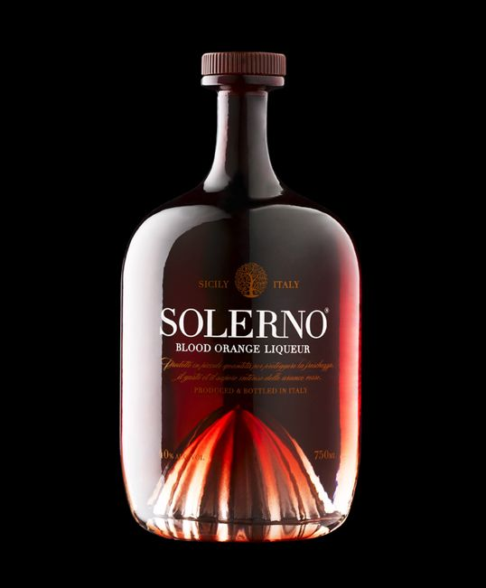 solerno: Design Bottle, Juice Squeezer, Fruit Juice, Packaging Design, Bottle Packaging, Father Day Gifts, Orange Liqueurs, Bottle Design, Liquor Bottle