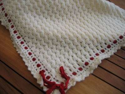 schemi maglia per copertine - Copertina per neonati con nastro rosso