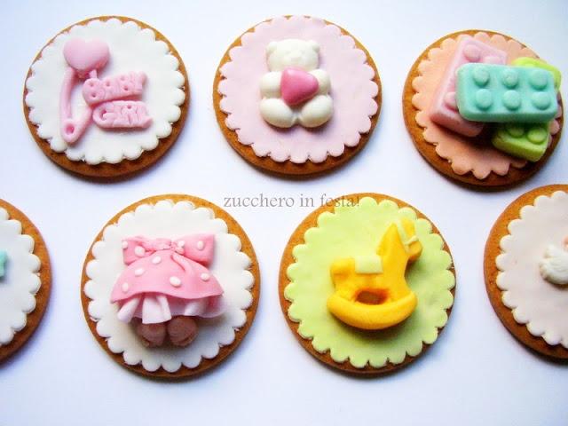 http://zuccheroinfesta.blogspot.it/  baby theme cookies