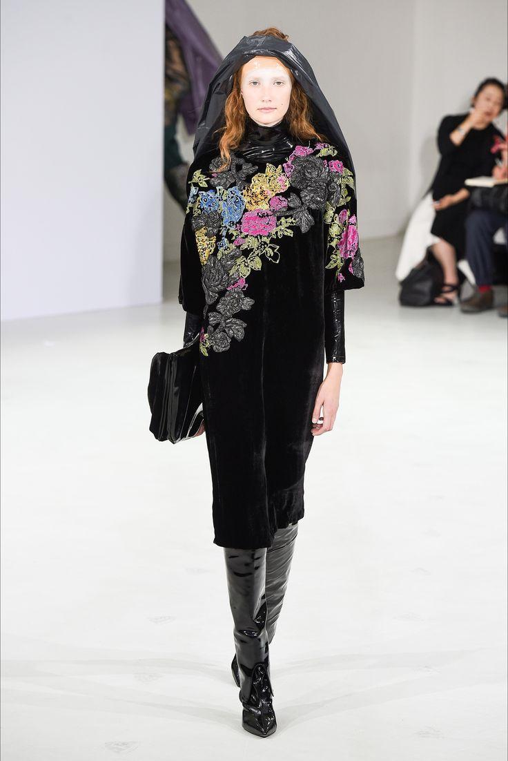 Sfilata A. F. Vandevorst Parigi - Collezioni Primavera Estate 2018 - Vogue