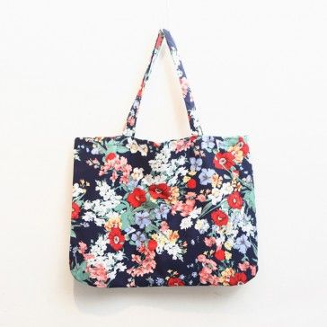 [Colorful Flower Bag] A tote bag featuring a floral print. Essential item. Lightweight.