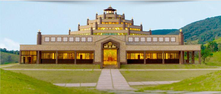 Fundado em 2010, o templo budista Kadampa está localizado em Cabreúva (SP), em plena Serra do Japi