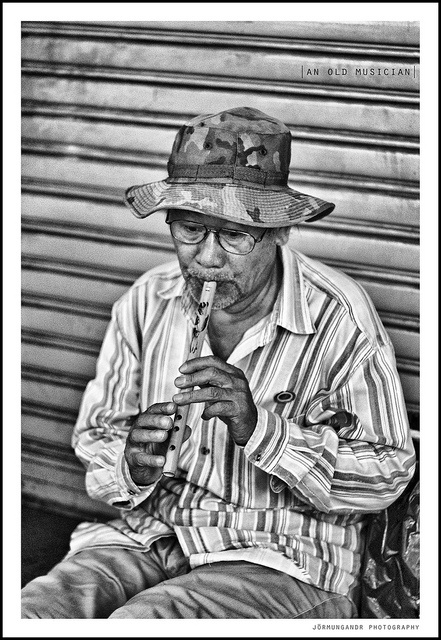 A Song For The Hopeless #streetphotography
