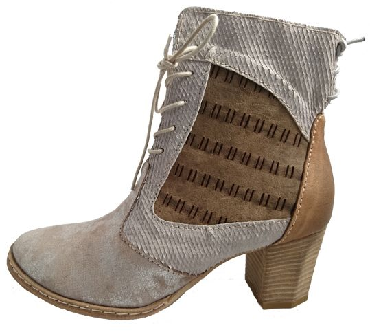 Italian leather boots with heel by Clocharme