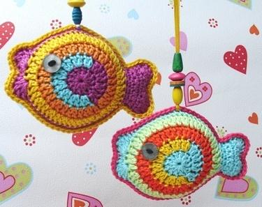Ebook / crochet ♥ ♥ Colorful Fish Pendant