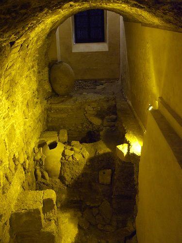Criptopórtico .Yacimiento arqueológico hallado en la Casa del Obispo.