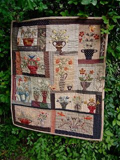BusyBeeFree: Yoko Saito Floral Bouquet quilt finished