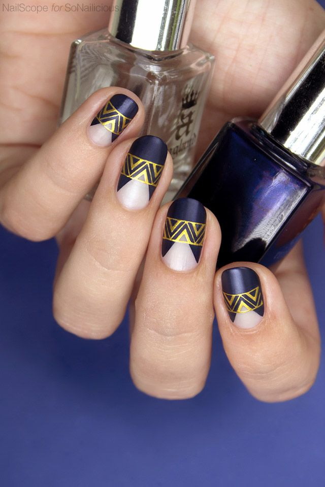 blue and gold party nails || New Years Nails