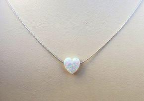 Weißer Opal Herz Halskette kleines Herz Halskette von Salshelima