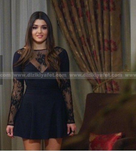 """Hande Erçel (Selin) elbise markası: """"Ayşegül Boz"""""""