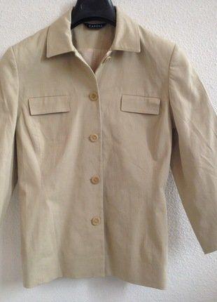 À vendre sur #vintedfrance ! http://www.vinted.fr/mode-femmes/autres-manteaux-and-vestes/25471492-veste-carroll-beige-manches-34