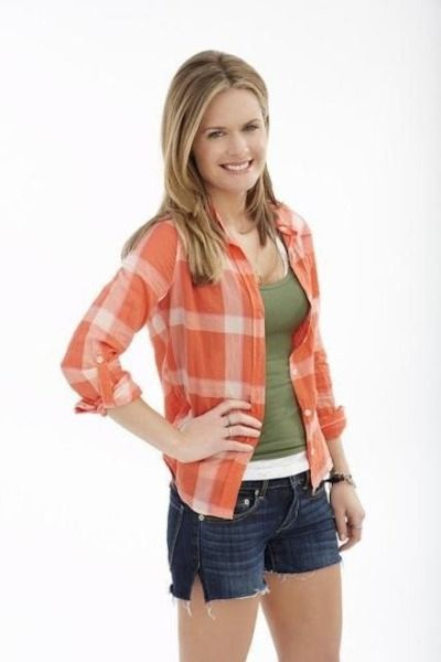 Maggie Lawson From 'Psych' is Criminally Cute (2 of 10)   When Maggie Lawson was eight, she began appearing in community and dinner theatre productions.
