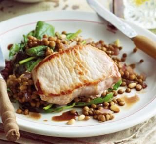 Pan-fried pork with balsamic lentils | Australian Healthy Food Guide