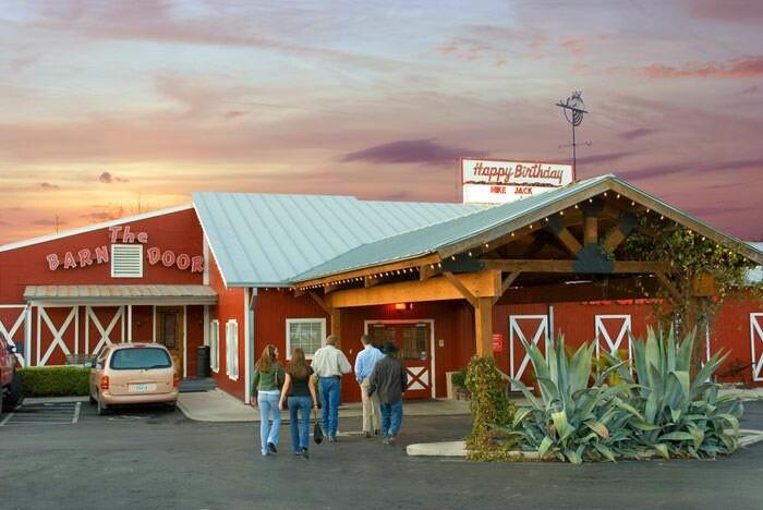 Etonnant The Barn Door In San Antonio
