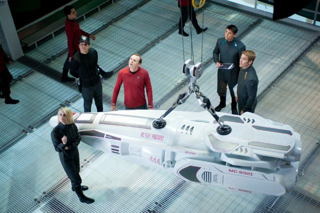 Still of Simon Pegg, Karl Urban, Alice Eve and Chris Pine in Star Trek Into Darkness