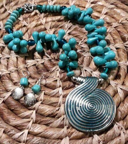 Turquesa, collar corto. Diseño exclusivo cristachi accesorios