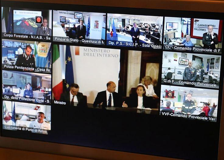 Een veilige vakantie | Politie en leger houdt Italië terreur en aanslagvrij http://www.dolcevia.com/nl/italie-reizen/reistips/2684-een-veilige-vakantie-politie-en-leger-houdt-italie-terreur-en-aanslagvrij
