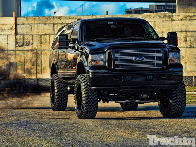 2004 Ford Excursion, this one is almost perfect. just needs my little bit of pink added, but perfect lift.