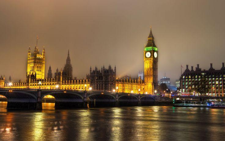 Westminster Palace & Big Ben London, UK