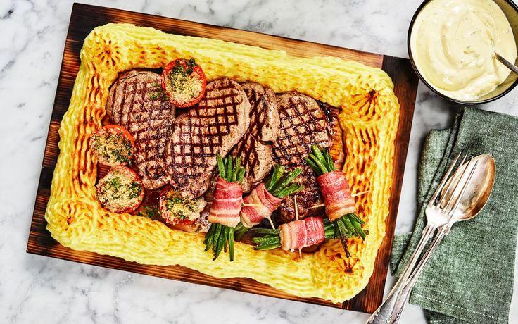 Duchessepotatis är extra lyxigt potatismos med äggula och riven cheddarost. Ta en genväg och servera planksteken med Keldas färdiga bearnaisesås, supergott!