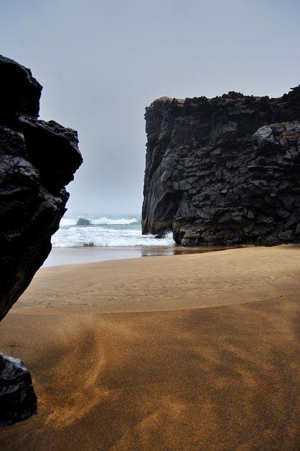 Niður í fjöru snæfellsnes, sandkassi. Snæfellsnes  Iceland - Golden Beach by bulleuh, via Flickr