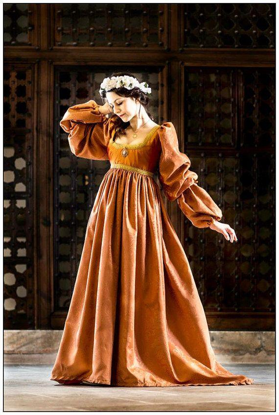 vestido renacimiento italiano por FashionCostume en Etsy, €290.00