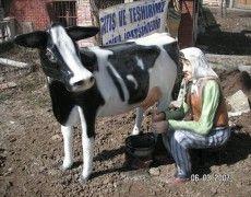 Milk Right Female Statue